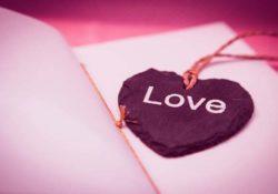 60+ 4 Lines Love Status for Whatsapp in Hindi [Love Shayari]