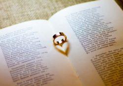 15+ Top Hindi Ghazal Lyrics for Your Lover - Ghazal in Hindi